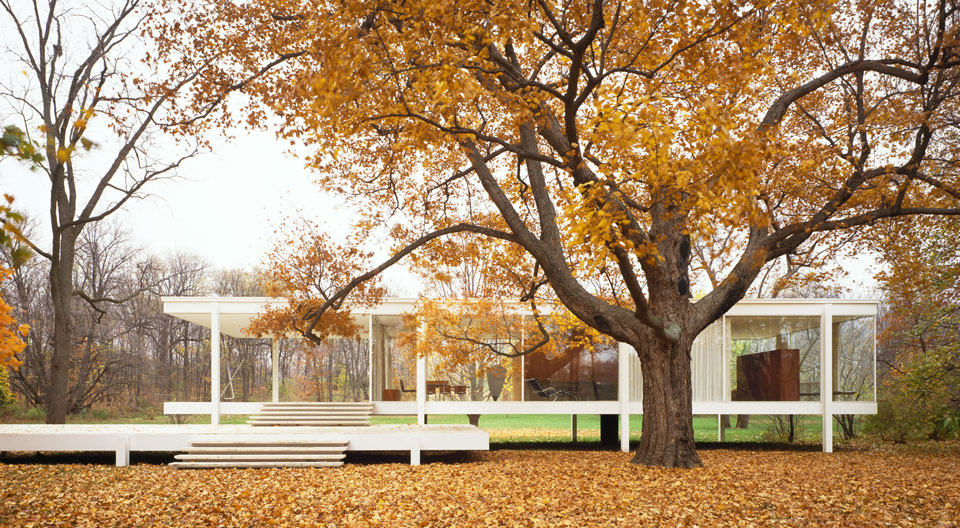 Farnsworth House. By John Miller, Hendrick Blessing Photographers.